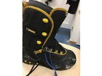 Snowboard boots size 10uk