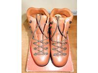 Mens Berghauss Walking/Treking Boots - UK size 8 (Euro 42)