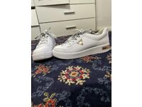 Women's guess trainers size 7