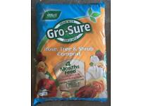 4 bags of Gro-Sure Rose, Tree and Shrup Compost