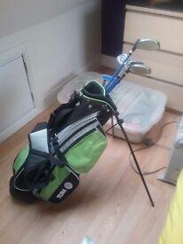 Tora Kids Junior golf bag and set of 5 Ben Sayers Power Point junior mid range clubs