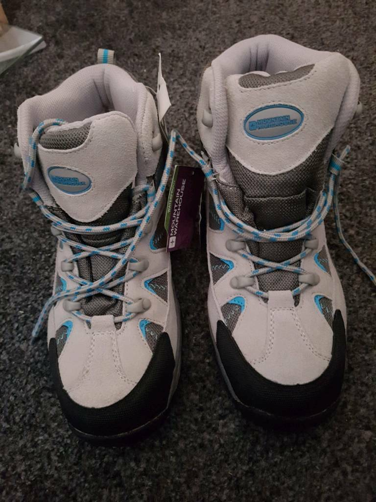Brand new Woman's trekking shoes size 7 mountain warehouse with tags