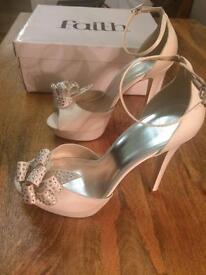 Faith ivory shoes size 7