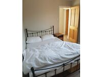 Double room available, quiet house, garden view 10 minute walk to Watford Junction Station