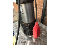 Heavy duty submersible pump