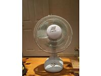 Table top Carlton three speed oscillating fan