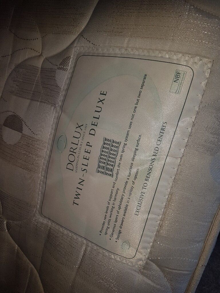 King size orthopaedic mattress, FREE DELIVERYin Frenchay, Bristol - King size, high quality mattress, orthopaedic pocket sprung. 30 cm thick,heavy. Great condition. Pet and smoke free home. Collect from Frenchay bs16 or I offer delivery