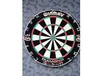 WINMAU DIAMOND DARTBOARD.