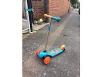 Kids 3 wheel scooter