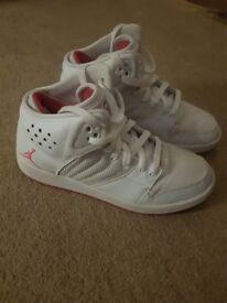 Girls/ women's shoes Jordan's