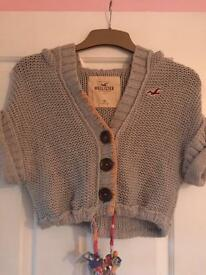 Holister knitted crop hoodie XS