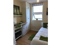 Single Studio room - Plumstead - All bills included except electric - Great Location