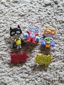 8 super hero plastic buttons