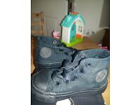 Infant converse high tops size 5