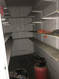 warehouse /production unit avaiable for rent with fitted kitchen and cooking & production licence