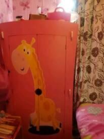 Girls pink bedroom set