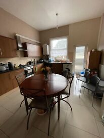 SPECIOUS 3 BEDROOM FLAT FOR RENT IN ISLEWORTH