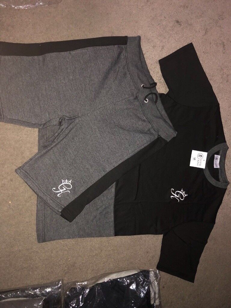 Shorts and Tshirt sets. Top brands