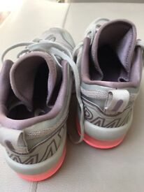 Size 8 ladies air max trainers.