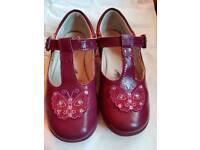 Clarks girls butterfly shoes 9.5