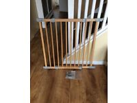 Wooden stairgate