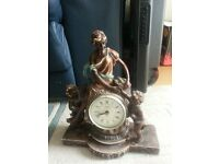 figurine Clock