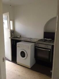 £450pcm - Spacious 1 Bed Flat