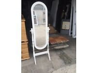 Free standing cheval full length mirror