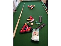 Freestanding and foldable Snooker/Pool Table
