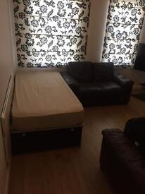 double bedroom for rent in Weybridge High Street Surrey