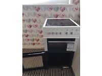 Electric cooker selling as partner moving in with me .collection only