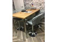 Quality breakfast bar & 4 grey stools