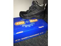 Size 4 steel toe cap boots