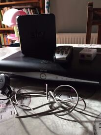 SKY + HD BOX WIFI, HUB, PHONE LINE, REMOTE CONTROL AND LEAD ALL IN GOOD WORKING ORDER