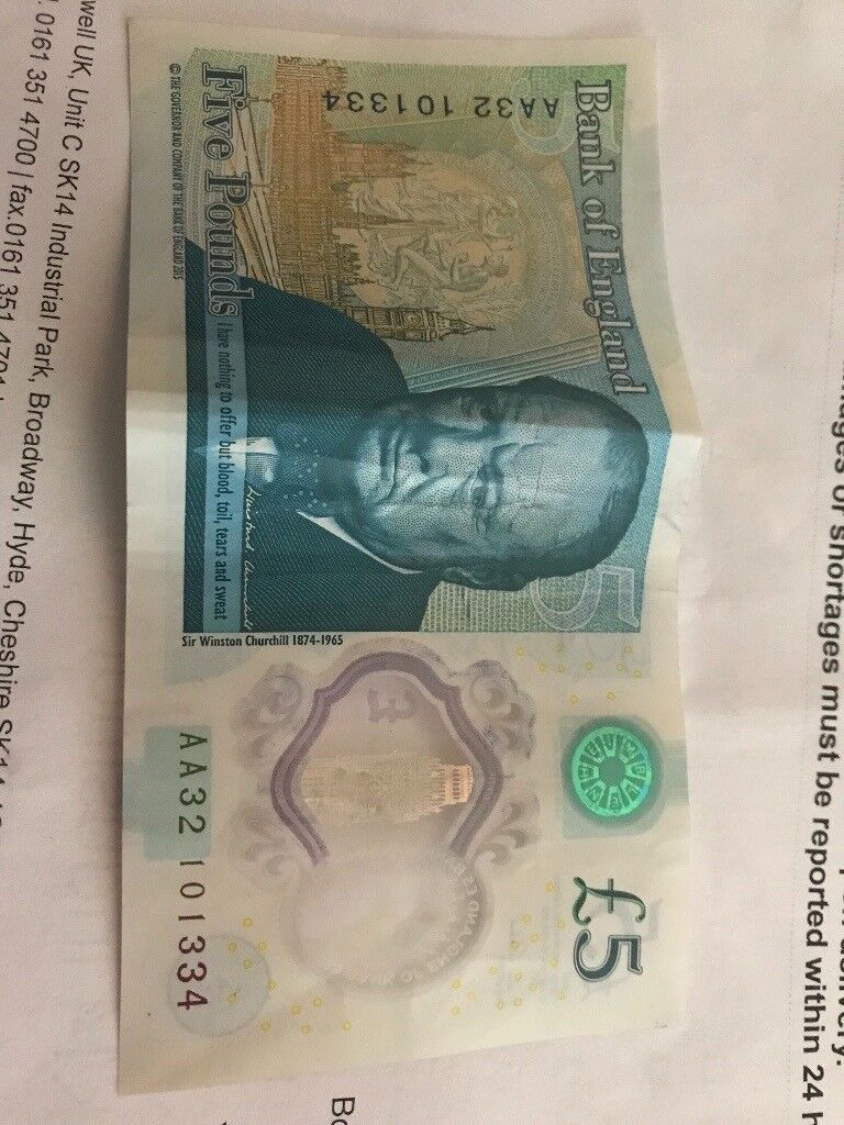 AA32 £5Note