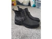 Womens buckled ankle boots size 7