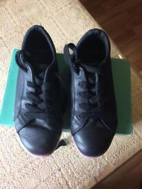 Clark girls school shoes 13.5 F
