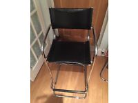 Free of charge- 4 matching bar/kitchen stools