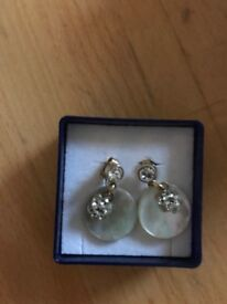 Nacre and gold plated earrings