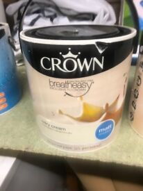 Crown breatheasy ivory cream Matt emulsion 2.5ltr