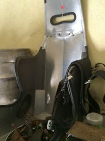 BUTLER BUCKET SEAT WITH COVER