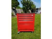 Roebuck tool box