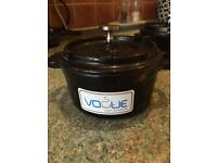 Vogue cast ironware - 3 round mini pots - new