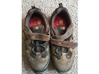 Walking shoes, Size 1