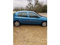 Renault Clio 1.4 dynamique for sale. 57000 miles, with a 6 month MOT remaining. A perfect first car!