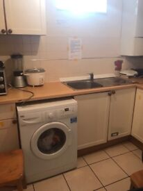 ****Renting a Lovely double room at Clapton £125 per week***