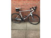 Giant Defy 1 Road Bike. Excellent condition