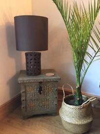 Side table / Storage box