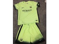 Manchester City Kit boys 7-8 years 2016