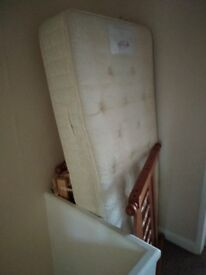 Single bed with new mattress in a very good condition.